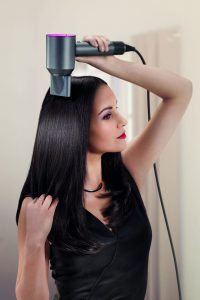 5 hábitos que destruyen tu cabello 2