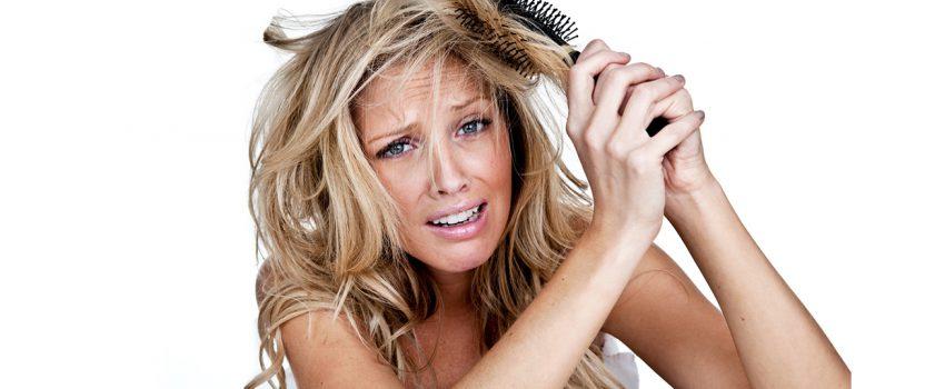 5 hábitos que destruyen tu cabello